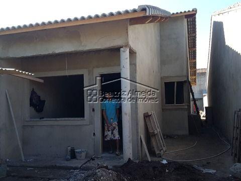 Casa de 3 quartos (1 suite), garagem, área gourmet com churrasqueira