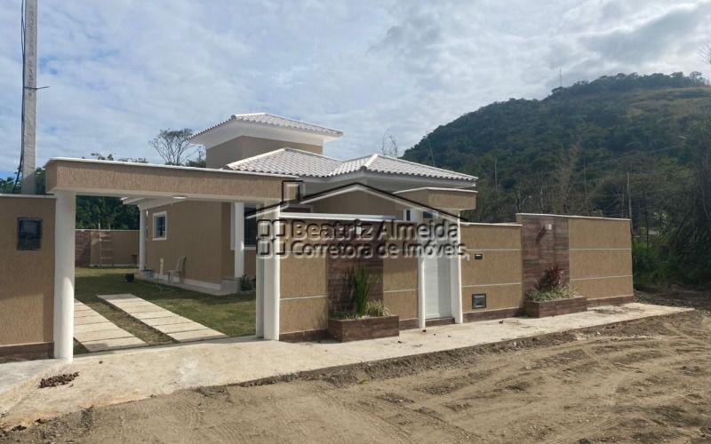 Casa no Portal dos Cajueiros, 3 qts (1 suite), sala rebaixada em gesso, porcelanato, área gourmet