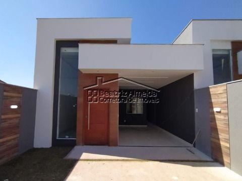 Casa com construção moderna de 2 qts (1 suite), sala, cozinha, área gourmet, piscina