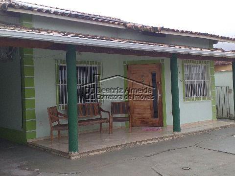 Casa de terreno inteiro, 3 qts (1 suite), sala, churrasqueira, piscina e garagem