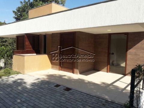 Casa de 3 quartos, sendo 1 suíte, no Bairro Nogueira em Petrópolis