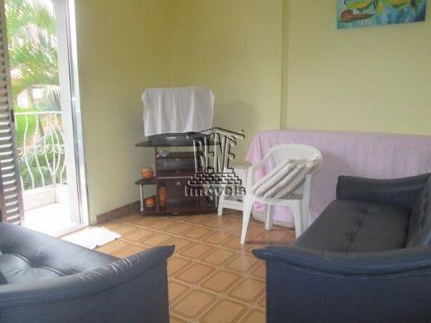 Apartamento com 2 dormitórios, próximo ao mar em Vila Caiçara