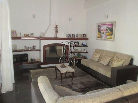 Linda casa isolada com 5 dormitórios e piscina no Balneário Flórida.
