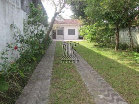 Casa isolada com quintal em Vila Caiçara