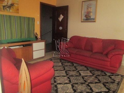 Belo apartamento com 2 dormitórios a 70m da praia - Maracanã