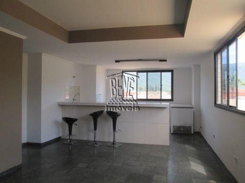 Amplo apartamento com 2 dormitórios a 40m da praia no Balneário Flórida.