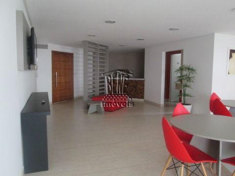 Apartamento com 2 dormitórios, 1 suíte, próximo a praia em Vila Caiçara