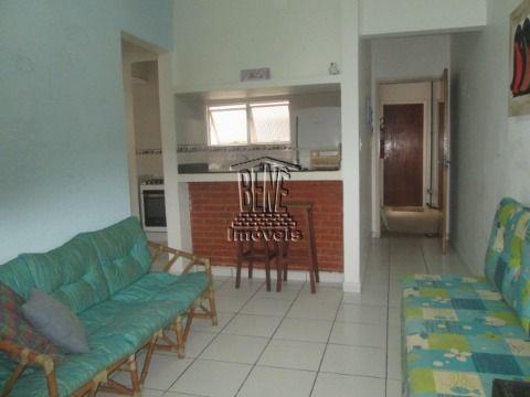 Apartamento de 1 dorm mobiliado em Vila Caiçara a 52 mts da praia