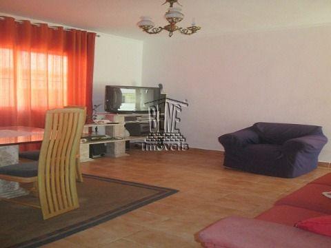 Amplo apartamento com 1 dormitório em Vila Caiçara