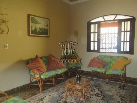 Casa 2 dormitórios sendo 1 suíte em vila Caiçara a 400m da praia