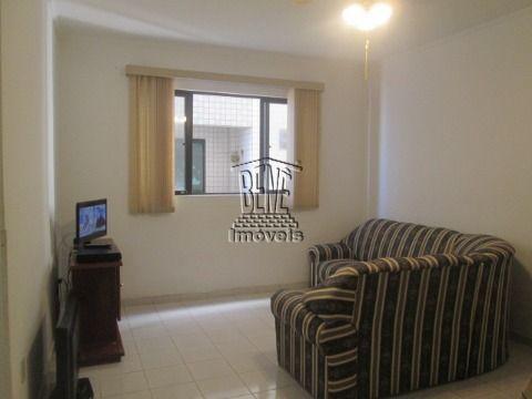 Apartamento 1 dormitório em prédio frente mar - Vila Caiçara.