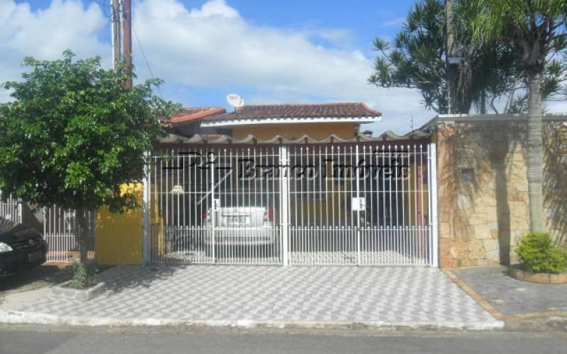 Casa isolada 1 dormitório, 2 vagas na Vila Caiçara Praia Grande