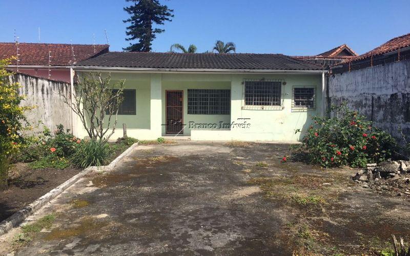 Edicula com 1 dormitorio, quintal amplo - na Vila Mar, Praia Grande