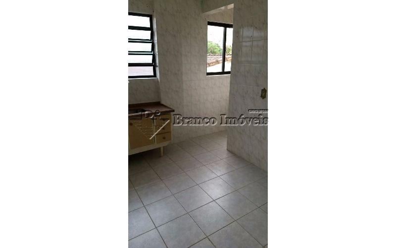 Oportunidade apartamento 1 dormitorio com sacada no centrão do Caiçara em Praia Grande