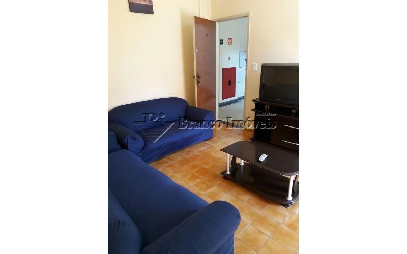 Apartamento 1 dormitório a 2 quadras da praia em Vila Caiçara