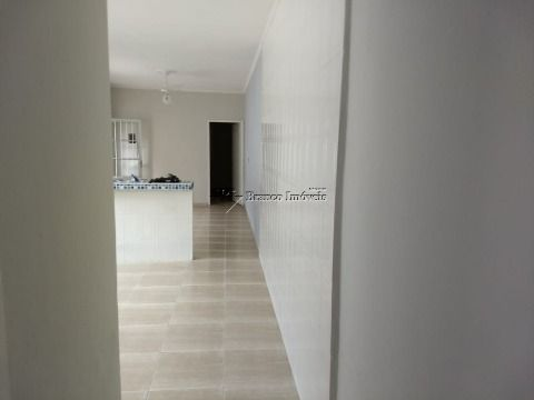 Linda casa 2 dormitórios no Balneário Paqueta em Praia Grande