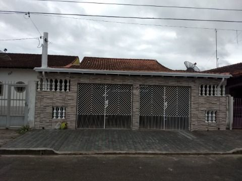 Casa isolada , lado praia Aceita financiamento bancário