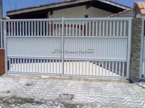 Casa 2 dormitórios para locação definitiva próximo a praia