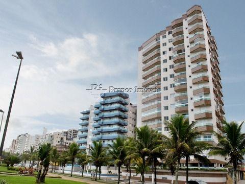 Apartamento 2 dormitórios com vista para o mar no centro do Caiçara