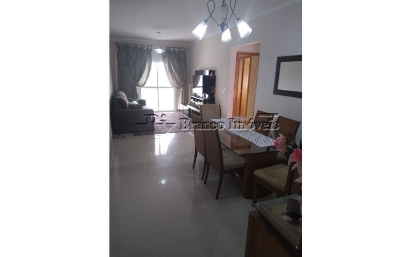 Lindo apartamento com 02 dormitórios no centro da Vila Caiçara
