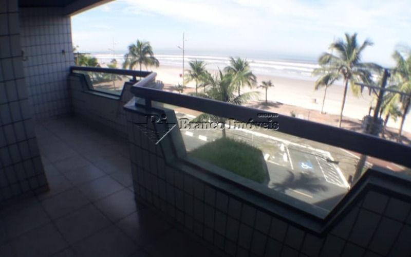 Apartamento frente mar 3 dormitorios na Vila Caiçara a sua espera