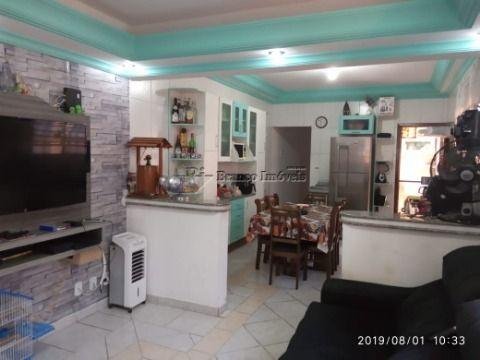 Linda casa com 3 dormitórios, 3 vagas de garagem lado praia em Praia Grande