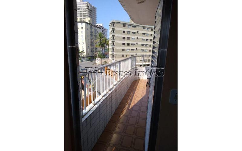 Apartamento 2 dormitórios no centrão da Vila Caiçara em Praia Grande