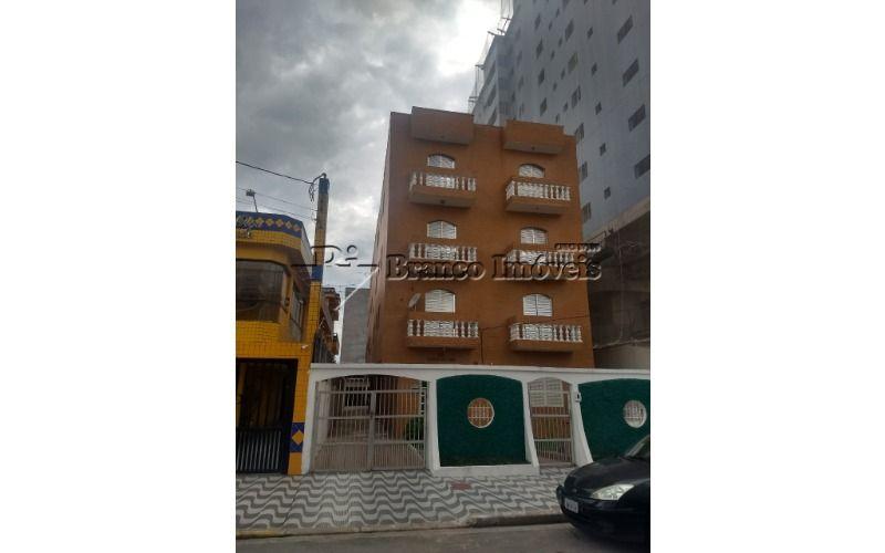 Apartamento perto da praia e no centro da Vila Caiçara.
