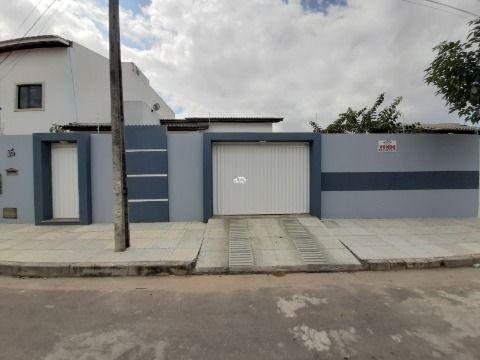 Rua Carlos Drummond de Andrade, nº45 , Esplanada do Parque