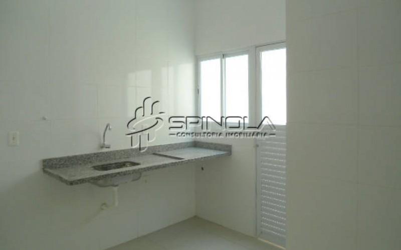 Casa de 2 dormitórios em condomínio no Tude Bastos em Praia Grande