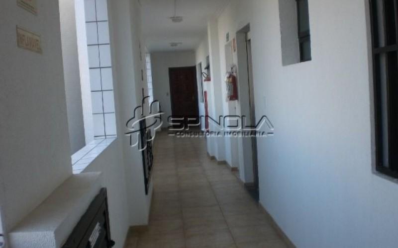 corredor dos apartamentos