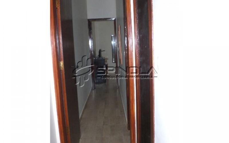 corredor interno do apartamento