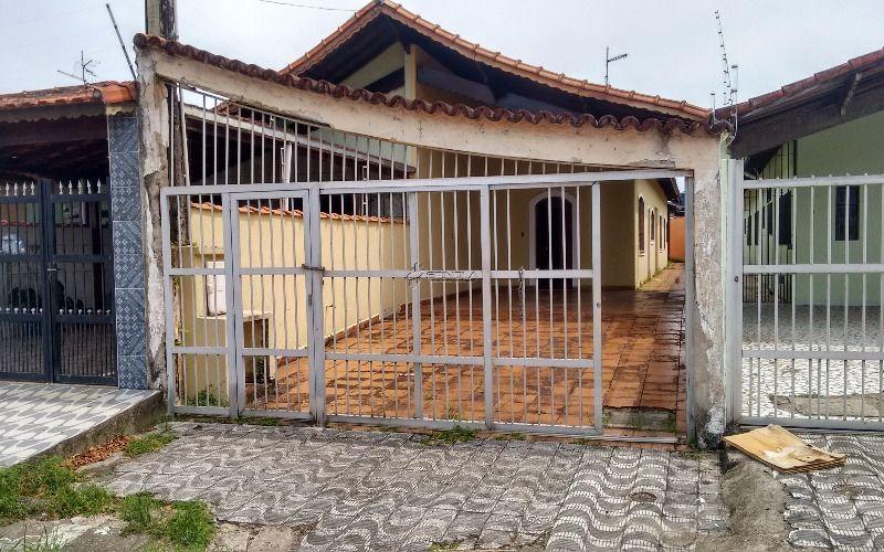 Casa de 2 dormitórios e 4 vagas de garagem em Praia Grande - Jardim Real
