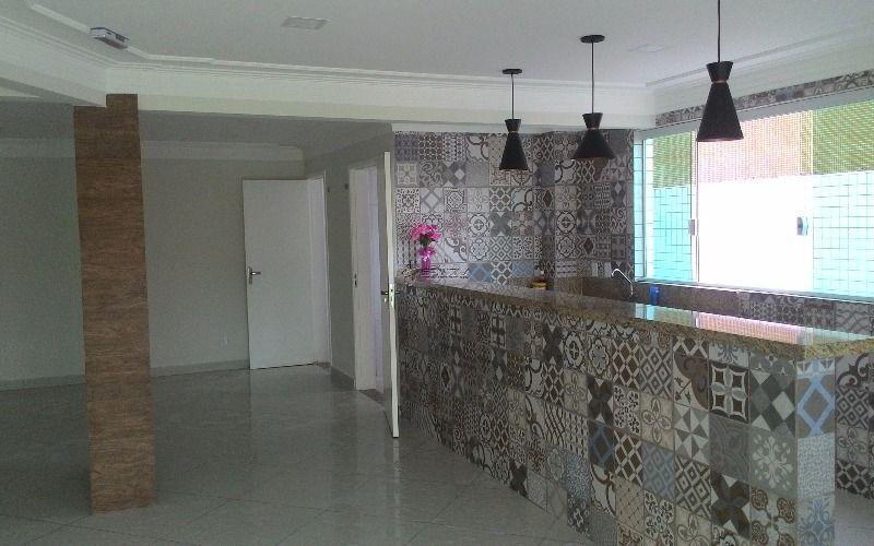 Apartamento de 2 dormitórios com 1 suíte na Cidade Ocian em Praia Grande
