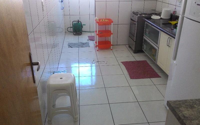Apartamento à venda de 2 dormitórios com suíte na Vila Guilhermina - Praia Grande