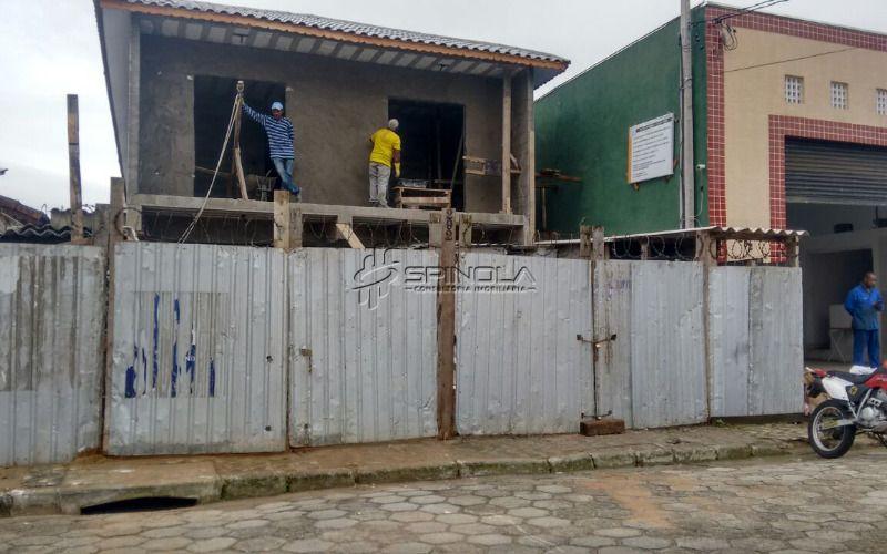 Casa de condomínio na Vila Guilhermina, Praia Grande
