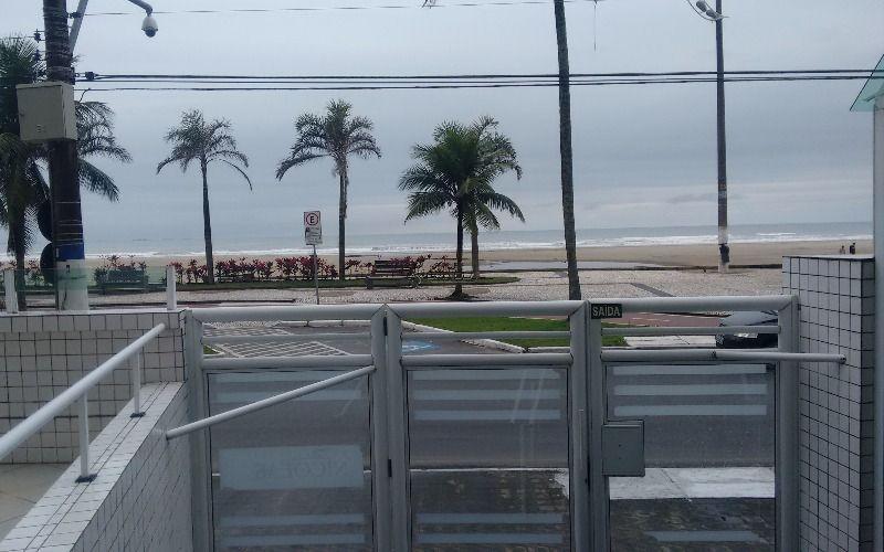 Apartamento de 2 dormitórios com suíte à venda na Vila Guilhermina - Praia Grande