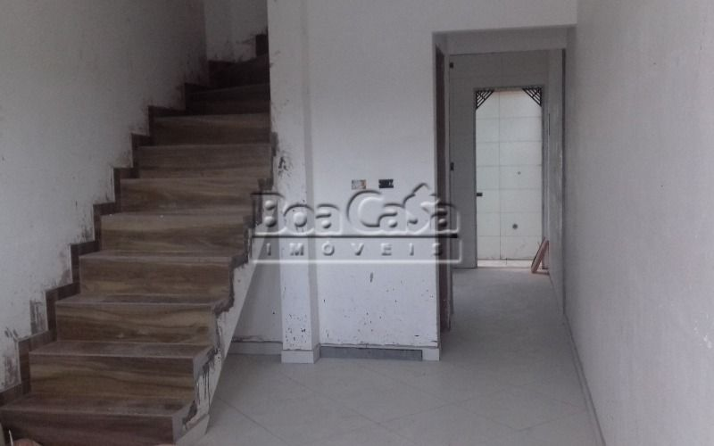 Sala Dois Ambientes + Escada