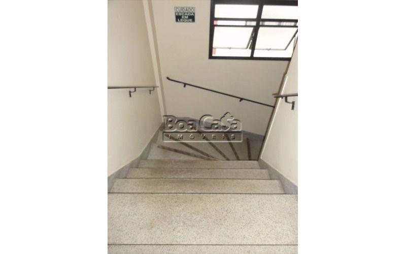 14 - Escadas (desce)