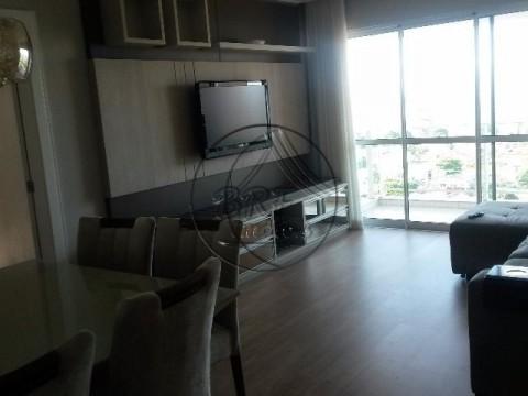 Imóveis a venda em Estreito Florianópolis SC, apartamento de 3 dormitórios, suíte, dependência completa 2 garagens, condomínio tipo clube