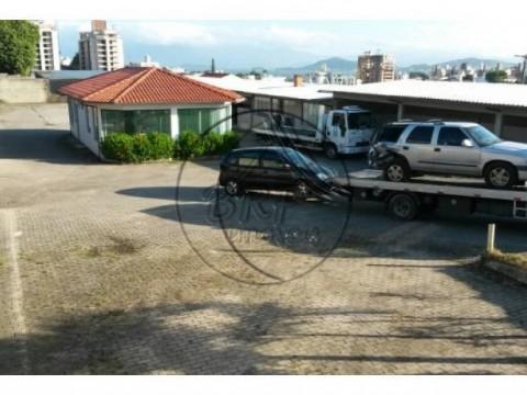 Ímóveis para construtoras em Florianópolis SC Capoeiras 2450 m² viabilidade 8 pavimentos