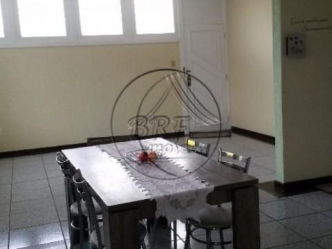 Casa à venda em Estreito Florianópolis SC, 3 dormitórios sendo 2 suítes