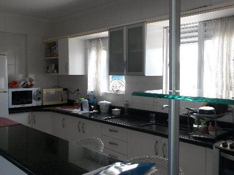 Vendo apartamento em Estreito Florianópolis SC de três dormitórios sendo uma suíte com closet
