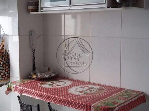 Vendo apartamento em Estreito Florianópolis SC, em ótima localização, de três dormitórios sendo uma suíte,