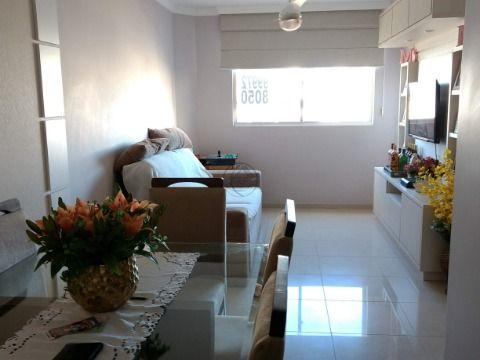 Vendo apartamento em Estreito Florianópolis SC, de três dormitórios, sendo uma suíte, em excelente estado de conservação, peças amplas, com móveis...