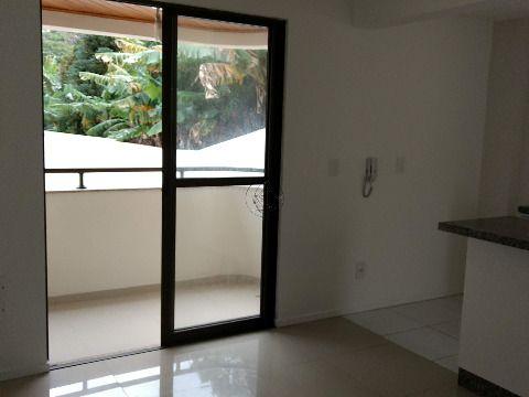 Vendo apartamento de um dormitório perto da UFSC excelente para estudantes com um dormitorio,