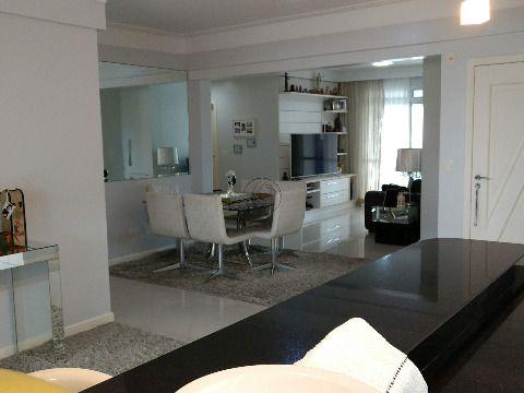 Vendo excelente apartamento com terraço e piscina, totalmente plano em excelente localização a 200 metros da Beira mar do Estreito Florianópolis SC...