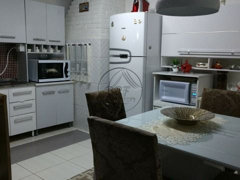 Vendo casa em Bairro Ipiranga São José SC, em Condomínio Fechado, seguro, com dois dormitorios,