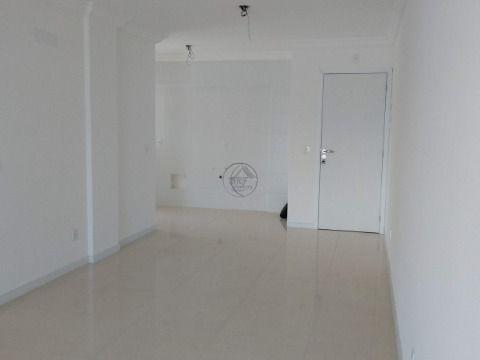 Vendo apartamento em Passa vinte Palhoça SC, de três dormitórios sendo uma suíte, novo, andar alto, linda vista mar