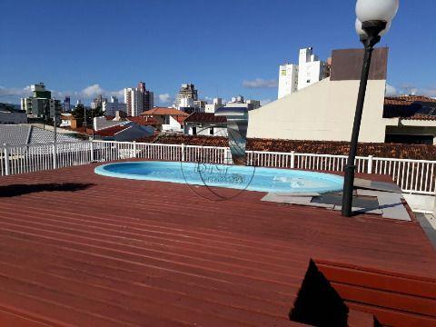 Casa de 4 dormitórios sendo 3 suítes, no Bairro Estreito Florianópolis SC